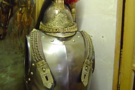 Pixim-museum-cavalry-armor-helmet-800-59914-3